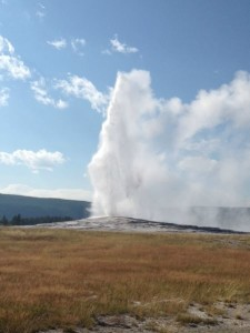 The afternoon viewing of Old Faithful was not crowded at all