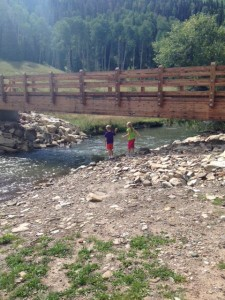 easy hike to geyser
