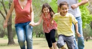 ways families can enjoy summer for little money