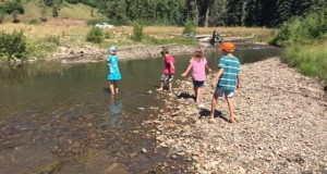 trail hiking with kids