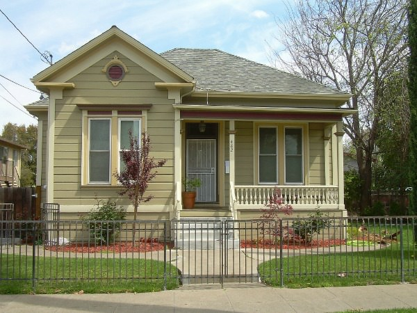 saving money with a smaller house