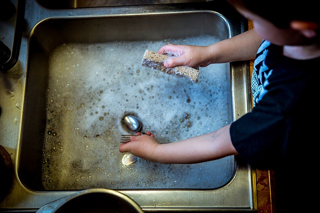 Why You Should Pay Your Kids to Perform Household Tasks