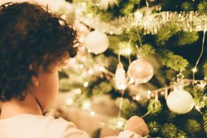 Should You Give Your Kids Cash for Christmas?