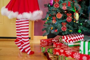 """How to Cut Back on Your Holiday """"To Do"""" List and Save Money Too"""